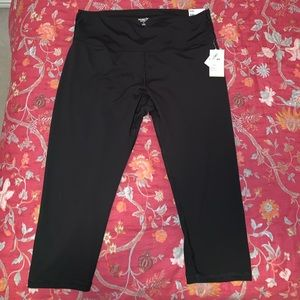 Old Navy Active High Rise Crop Leggings